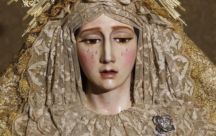 Mª. Stma. de la Concepción ataviada para la Solemnidad de la Asunción