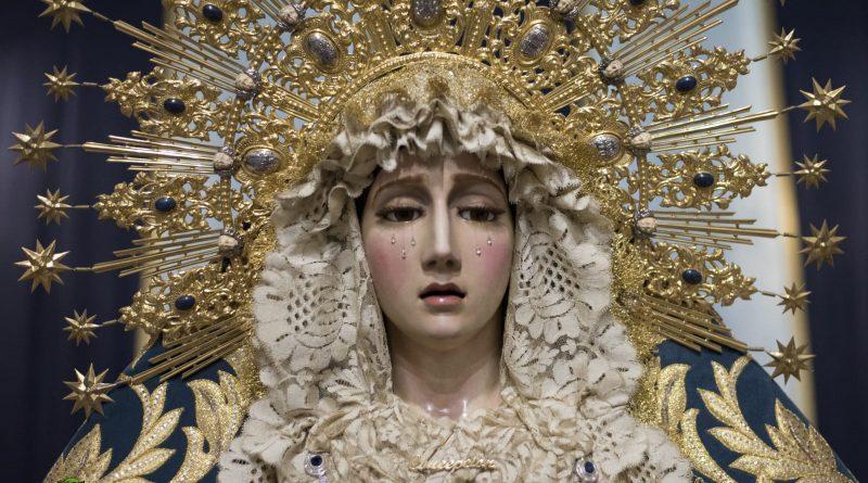 María Santísima de la Concepción Coronada amanece ataviada en Diciembre