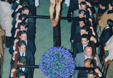 El Vía Crucis de la Unión de Hermandades en 2004